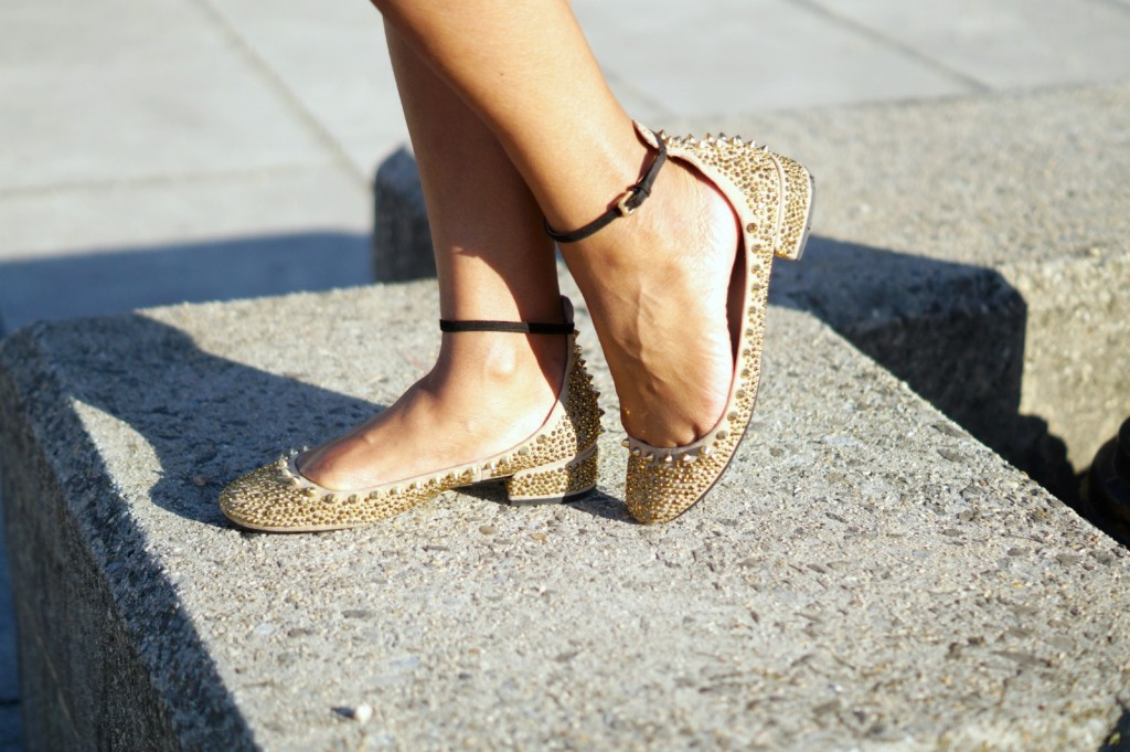 gold-stud-shoes