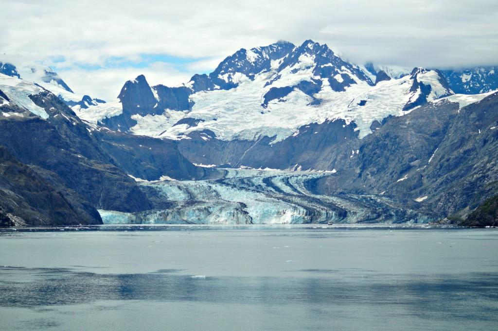 Cruising Glacier Bay - Holland America Oosterdam