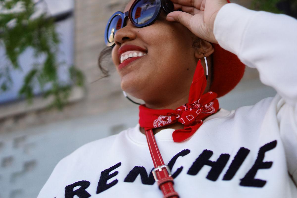 how to wear a sweatshirt, mom style, casual fashion, nyc fashion blogger
